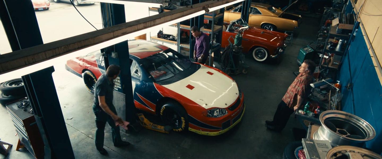 Garages Garage-cars-overhead@2x