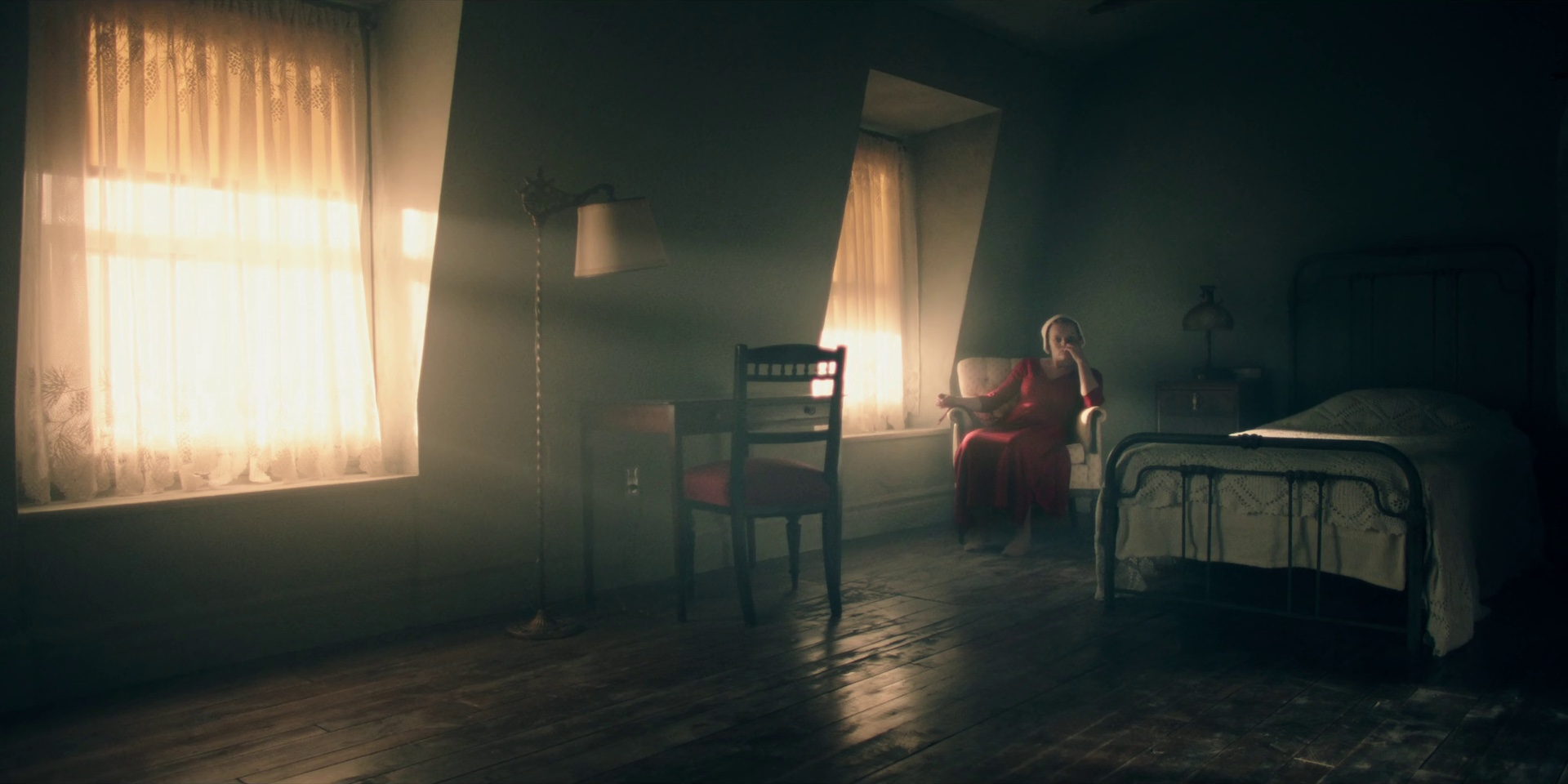 Resultado de imagen para lighting through the window curtains cinematography